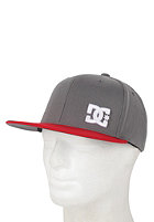 DC Radical Flexfit Cap dk shadow/red