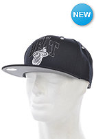 MITCHELL NESS BGW Miami Heat Snapback Cap black