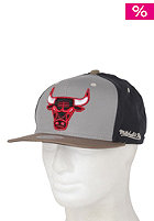 MITCHELL NESS Bulls Clay Snapback Cap earttone