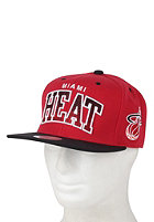 MITCHELL NESS Miami Heat Arch Gradient Snapback Cap red