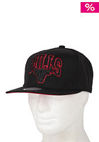 MITCHELL NESS Team Arch Bulls Snapback Cap black/team colour bulls