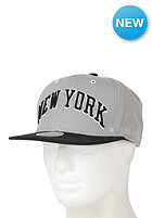MITCHELL NESS Wordmark New York Knicks Snapback Cap grey