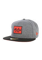 NEW ERA NE Patch Under Cap graphite/black/hot red