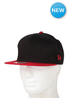 NEW ERA Original 2 Tone 950 Fitted Cap black/scarlet