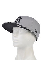 NEW ERA Womens Spring Leopard New York Yankees Snapback Cap grey/black