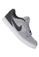 NIKE ACTIONSPORTS Mogan 2 SE Jr stadium grey/anthracite-ttl crimson