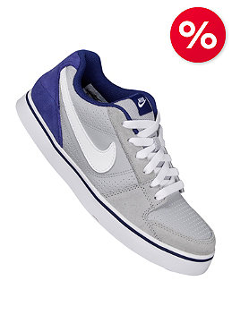 NIKE SB Kids Ruckus Low JR wolf grey/white/deep royal