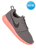 NIKE SPORTSWEAR Rosherun soft grey/mid fg/bch/ttl crmsn