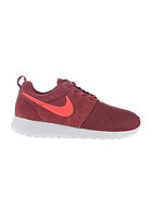 NIKE SPORTSWEAR Womens Rosherun Winter team red/action red-pr pltnm
