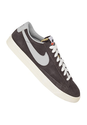 Blazer Low Premium Vintage Suede night stadium/strata grey-sail